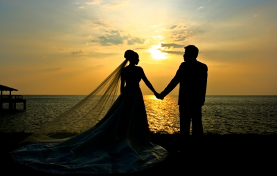 Tent-Cooling-Beach-Brides